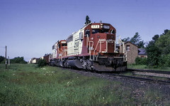 Easing out of the Siding (ac1756) Tags: soo sooline emd sd402 775 gilchrist michigan 910