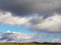 Beau ciel nuageux et vestige d'arc-en-ciel, si! si! (Marie-Hélène Cingal) Tags: cagnotte landes 40 ciel sky clouds nuages