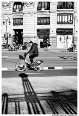 -- (Matías Brëa) Tags: calle street photography blanco y negro black white bnw mono monochrome monocromo personas people bike bicicleta bicycle