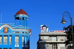 Hasta la... (Arnadel) Tags: camagüey cheguevara hastalavista bleu cuba ville batiment blue city building