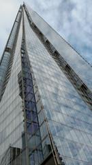 The Shard - 2 (nican45) Tags: 04112018 18135 18135mm 2018 4november2018 csc fuji fujifilm london november shard xt2 xf18135mmf3556rlmoiswr architecture building diagonal glass mirrorless reflection sky skyscraper england unitedkingdom gb