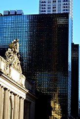 Approaching Grand Central Station (pjpink) Tags: grandcentralstation station urban city nyc newyork newyorkcity ny november 2018 fall pjpink 2catswithcameras
