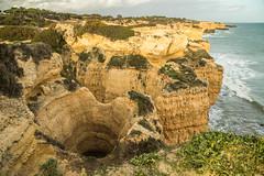 La puerta del infierno (Txaro Franco) Tags: erosión algarve portugal sur costa mar atlántico roca acantilado