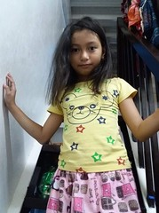 girl on the stairs (ghostgirl_Annver) Tags: asia asian girl annver teen child kid daughter sister family portrait