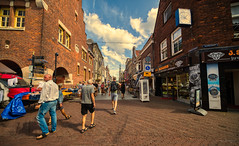 View of the Langestraat, Alkmaar. (Alex-de-Haas) Tags: oogvoornoordholland 11mm alkmaar blackstone d850 dutch europa europe european hdr holland irix irix11mm irixblackstone lightroom nederland nederlands netherlands nikon nikond850 noordholland photomatix photomatixpro westfrisia westfriesland westfries architecture architectuur building buildings center centrum city cityscape gebouw gebouwen innercity stad straat street summer town urban zomer northholland nl