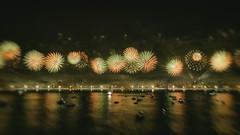 Fireworks #7 - New Year - Rio de Janeiro/RJ - Brazil (Enio Godoy - www.picturecumlux.com.br) Tags: riodejaneiro 16x9 fireworks nikon viveza2 nikond300s newyear analogefexpro2movement4 night niksoftware ngc