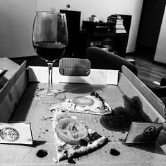 Pizza And Wine Lovers. #WeLovePizza #FlickrFriday (Carlos Ardila) Tags: tumbl iphone blackandwhite blancoynegro bw colombia bogota musica vino wine music night pizza welovepizza flickrfriday nosencantalapizza