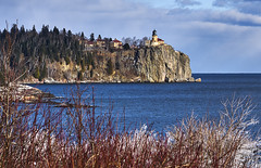 Split Rock Lighthouse, Mid Day 2 - Split Rock Lighthouse State Park (j-rye) Tags: sonyalpha sonya7rm2 ilce7rm2 mirrorless lakesuperior lake split rock lighthouse state park splitrocklighthousestatepark ice cliff