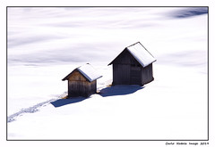 Two barns in winter (cienne45) Tags: carlonatale cienne45 natale italy brais valledibraies pratopiazza valpusteria southtyrol altoadige barns fienili neve winter inverno