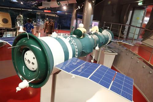 Soyuz 4 and 5 model