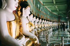 Spirit of Myanmar (desomnis) Tags: myanmar asia southeastasia traveling travel travelphotography buddishm buddhisttemple buddhastatue buddhistic burma birma mandalay uminthonzepagoda sagaing sagainghill desomnis 5d canon5dmarkiv canon5d tamronsp2470mmf28 tamron2470mm tamron2470mmf28 tamron canon