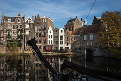 Delfshaven, Rotterdam (Adrià Páez) Tags: delfshaven rotterdam canal water boat architecture buildings dutch flemish houses tree autumn city south holland zuid zuidholland the netherlands nederland europe reflection canon eos 7d mark ii sky clouds