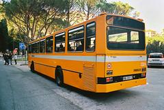 Seconda sosta fotografica (maximilian91) Tags: inbuss210ft inbuss210 inbus oldbuses vintagebuses italianbuses italia italy liguria laspezia ektar100 35mm analogue nikonfe