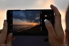 ALBA. (Salvatore Lo Faro) Tags: fotografo telefono telefonino alba mare sole nubi nuvole acqua cielo mani gargano puglia italia italy nikon 7200 salvatore lofaro