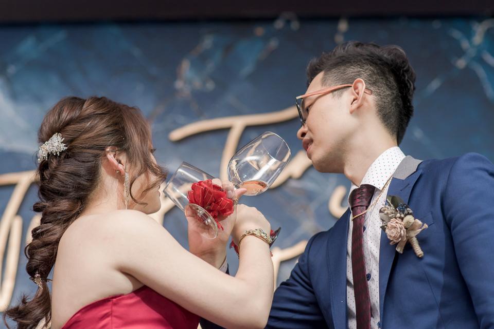 台南東東宴會式場 婚宴 走在幸福的紅毯上 R & B 140