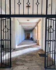 Corridor (kimbar/Thanks for 4 million views!) Tags: oahu hawaii honolulu honolulumuseumofart