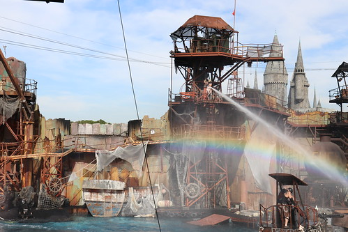 """Universal Studios Waterworld Attraction • <a style=""""font-size:0.8em;"""" href=""""http://www.flickr.com/photos/28558260@N04/45454876894/"""" target=""""_blank"""">View on Flickr</a>"""