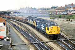 37108+37145 leaving Hereford on the 16-03-1991 with a steel working for south wales (Robert Lewis(railhereford)) Tags: 37108 37145