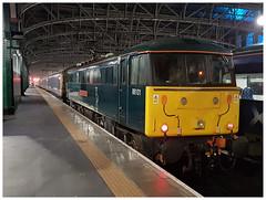 86101  Glasgow Queen St  23-12-18 (Gray Callaway) Tags: class86 86101 glasgowcentral ecs passenger nightshot 2018