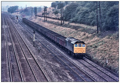 Rat-run (david.hayes77) Tags: sulzer class25 rat 25099 freight mineralwagons glendonjunction kettering 1977 0000 type2 northamptonshire mml midlandmainline autumn cargo glendonroad semaphores northants