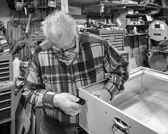 Uncle Harvey at work (Walt Polley) Tags: copyright©2018waltpolley minnesota uvbox uncleharvey iphone7s