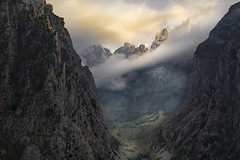 This way we have to go! (memories-in-motion) Tags: bulnes naranjodebulnes mountain peak summit valley picosdeeuropa nature pure scene clouds light high stones canon 70300mm view sky green yellow blue outdoor hiking asturien scenic