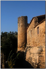 Torre circular, Peratallada (el Baix Empordà) (Jesús Cano Sánchez) Tags: elsenyordelsbertins fujifilm xq1 catalunya cataluña catalonia gironaprovincia emporda ampurdan baixemporda bajoampurdan forallac peratallada muralles murallas walls romanic romanico romanesque catalunyaromanica catalunyamedieval middleages