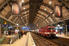 30-11-2018 - Berlin Alexanderplatz (berlinger) Tags: berlin deutschland alexanderplatz eisenbahn railways railroad deltarail br143 br243 güterzug freighttrain stadtbahn 243650