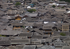 Roof Tops Of Old Town, Lijiang, Yunnan Province, China (Eric Lafforgue) Tags: a0007648 architecture asia buildingexterior builtstructure china chineseculture city colorpicture day dayantown elevatedview highangleview history horizontal idyllic lijiang mansion nature nopeople oldtown outdoor outdoors roof rooftops series shangrilacounty town traditionalculture traditionallychinese tranquility travel unescoworldheritagesite yunnan yunnanprovince
