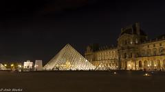 Museo del Louvre (jesussanchez95) Tags: museodellouvre paris francia france louvre arquitectura architecture nocturna night urbanlandscape pirámide pyramid museum