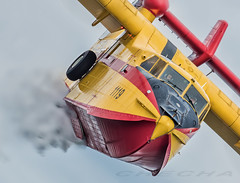Canadair CL215 (joseramongonzalez544(Checha)) Tags: canadair cl215 nikon d810 checha propelors propelor helice grupo43 ejercito del aire 500mm apagafuegos contraincendios avion agua cielo bombardier people pilot fire medio ambiente corsarios