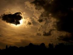 (Barbi-turici) Tags: clouds nuvole contrasto sky