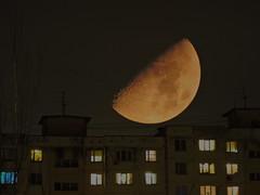 Лунная ночь / Moon night (Владимир-61) Tags: луна ночь небо дом мультиэкспозиция moon nigt sky house multiexposure nikon coolpix p600