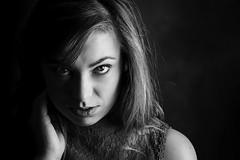 Lydie (Lievinshoot) Tags: portrait noiretblanc regard yeux