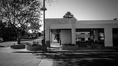 scottsdale 01480 (m.r. nelson) Tags: scottsdale arizona az america southwest usa mrnelson marknelson markinaz streetphotography urban artphotography newtopographic urbanlandscape thewest wildwest documentaryphotography blackwhite bw monochrome blackandwhite