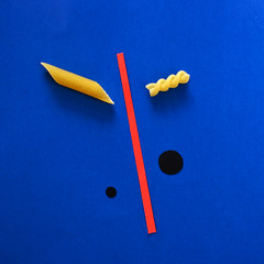 Homage to Miró (agnes.mezosi) Tags: minimalism minimalistic abstract abstractart minimal food homage pasta