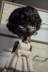 New wig ♥ (Loony-Doll) Tags: pullip fc ooak full custom fullcusto customisée tan skin tanskin black blush pulliptan makeup hollyhatter wig eyechips eyelashes doll dolls groove