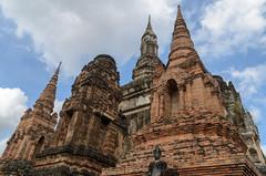 Wat Maha That (sillie_R) Tags: historicalpark sukhothai temple thailand watmahathat mueangsukhothai th