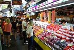 la Boqueria - Barcelona (benoit_bouhier) Tags: barcelona barcelone boqueria people market espagne espana spain