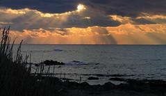 The Spirit of the Sun☀️ (ᗰᗩᖇᓰᗩ ☼ Xᕮ∩〇Ụ) Tags: sunset greece sonnenuntergang griechenland ioniansea ionischesmeer winter winterzeit moments sun sonne sky himmel momente ήλιοσ ελλαδα ελλασ στιγμεσ θαλασσα ουρανοσ ιονιοπελαγοσ δύσηήλιου φωσηλιου sonnenstrahlen ηλιαχτίδεσ sunbeams spiritofthesun πνεύματουηλιου geistdersonne canoneos1100d clouds wolken συννεφα τέλειοφυσικόφαινόμενο ορίζοντασ horizon horizont sea meer naturelover sunlover