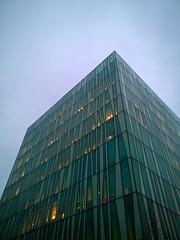 Aberdeen University Library 39 (Golux.) Tags: aberdeen scotland university library sirduncanrice blue sky reflection light glass