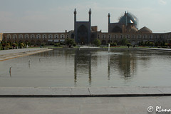 ISFAHAN (RLuna (Instagram @rluna1982)) Tags: irán persia parsi orientemedio photo rluna rluna1982 viaje travel vacaciones instagramapp canon yazd arquitectura ruinas arte patrimoniodelahumanidad patrimoniodelaunesco mezquita masjid muslim musulman religión isfahan esfahan mosque jomeini