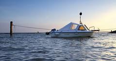 Waarde (Omroep Zeeland) Tags: getijdenhaventje hoog water vloed waarde meerpaal vissersbootje haventje bietenhaventje