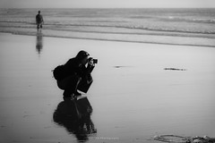 I'm gonna keep catching that butterfly (.KiLTRo.) Tags: sandiego california unitedstates us kiltro missionbeach beach photographer reflection water sea ocean people sand wet bw blackandwhite