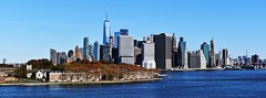 Lower Manhattan and Governors Island (in the foreground) seen from the stern of the Queen Mary 2 after docking in Brooklyn (Paul Anthony Moore) Tags: manhattan governorsisland queenmary2 brooklyn newyork