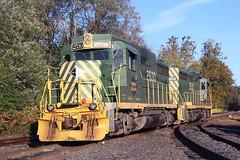 Reading GP39RNs (Bingley Hall) Tags: transport rail railway railroad train transportation trainspotting diesel locomotive engine emd gp39rn gp30 rbmn readingnorthern 2530