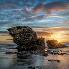 Far Away In Time DSC_8771 (BlueberryAsh) Tags: fffplus nov2018 torquay beach rockypoint rocks victoria greatoceanrd australianseascape seascape sunrise cloudsstormssunsetssunrises clouds sea ocean water sun sunburst sunstar nikond750 nikon24120