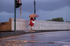 Rome 2018 (Dmitri Bluglass) Tags: summicron90mm leica m10 leicam10 leicam10type262 type262 type 262 madeinwetzlar rome italy autumn vatican umbrella red coat rain bridge tiber river dmitri bluglass дмитрий блюглясс dmitribluglasscom dbluglass