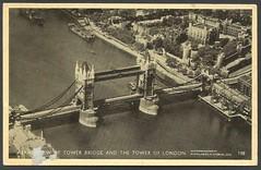 Aerial view of Tower Bridge and The Tower of London (tico_manudo) Tags: towerbridgelondon toweroflondon turismoenlondres quéverenlondres