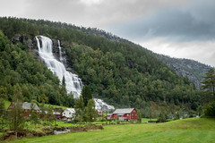 Trollafossen / Tvindefossen (photobeyDE) Tags: norwegen urlaub wasser wasserfall norway norwegenfreunde beautifulcreation beautifulnorway waterfall water outdoor nature landscape jwshutterbugs jwphotography jwsnapshots sonyimages sonyalphasclub sonyworldclub sony alphaddicted slt a77mk2 voss hordaland no